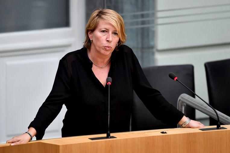 Caroline Gennez eerder dit jaar in het Vlaams Parlement, waar ze wel nog aan de slag blijft. Beeld BELGA