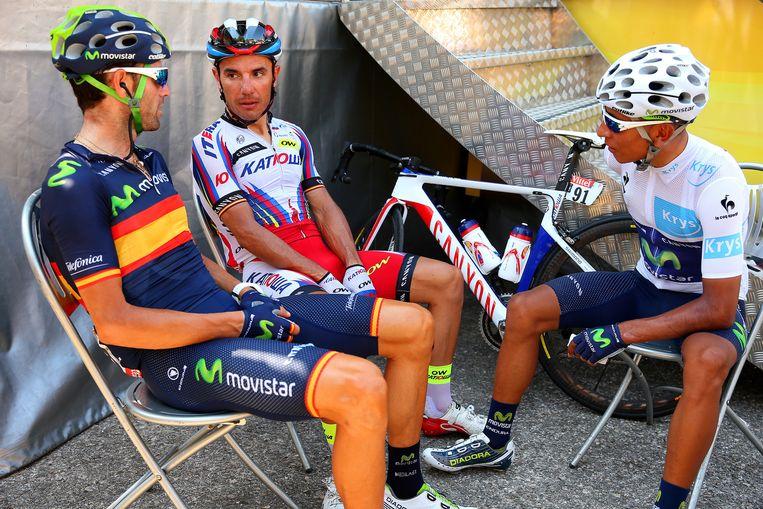 In een onderonsje met Valverde en Rodriquez vanochtend. Beeld getty