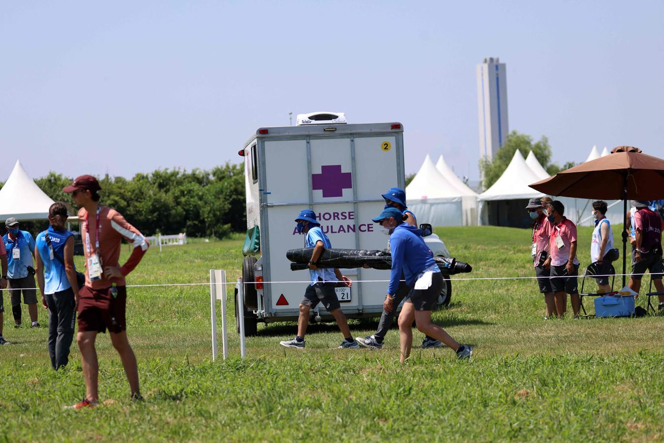 Een ambulance voor het paard.