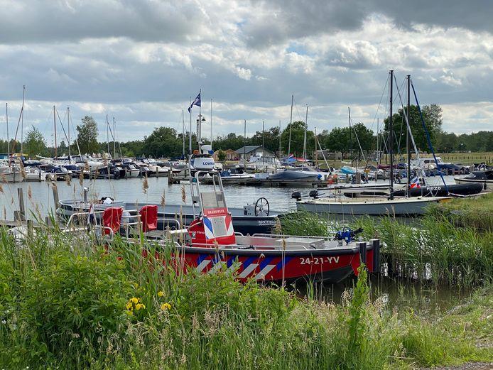 De haven van Strand Nulde waar het 18-jarige slachtoffer zaterdag uit het water werd gehaald. Later overleed hij in het ziekenhuis aan zijn verwondingen.