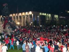 Albanezen de straat op om gestaakte interland te vieren