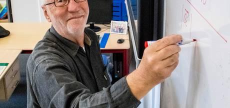 Bergse leraar Van Oers (71) staat al 50 jaar voor de klas