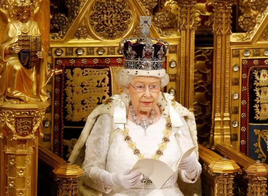 Koningin Elizabeth bij de opening van het parlementaire jaar in 2016.
