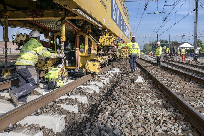 Extra maatregelen ter bestrijding van geluidsoverlast door voorbij razende treinen zijn nodig. Daarover is iedereen het wel eens.