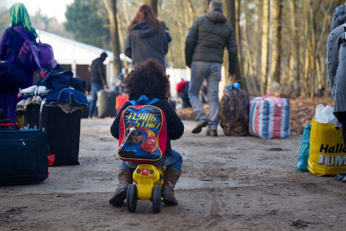 In groepsaccommodatie De Buitenjan in Veldhoven werden al eerder vluchtelingen opgevangen, zoals op de foto uit eind december 2015. Ditmaal is gevraagd om (mogelijk) besmette asielzoekers op te vangen.