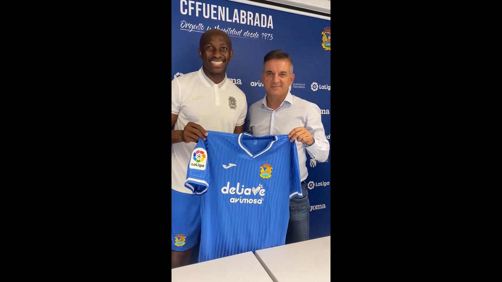La vidéo Instagram de l'arrivée du joueur Stéphane Mbia dans son  nouveau club madrilène de Fuenlabrada a fait beaucoup rire les internautes.