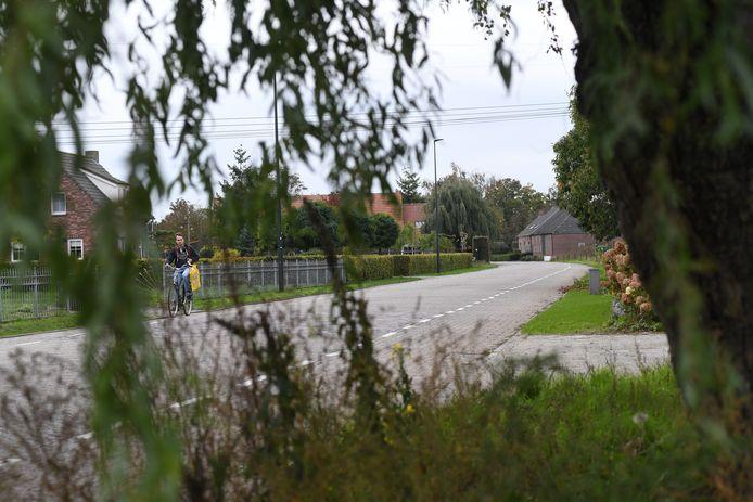 De Provincialeweg in Oosteind.
