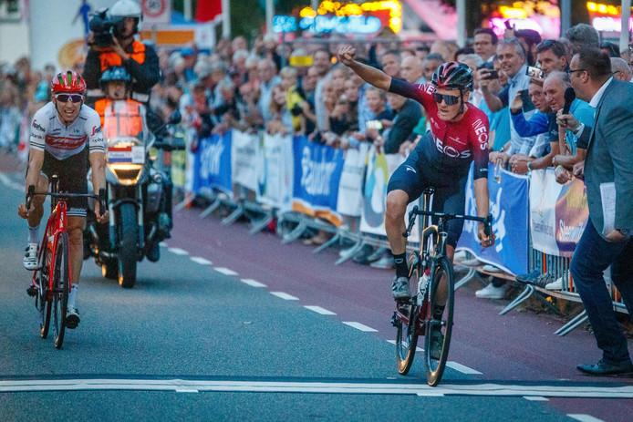 Van Baarle wint voor Mollema.