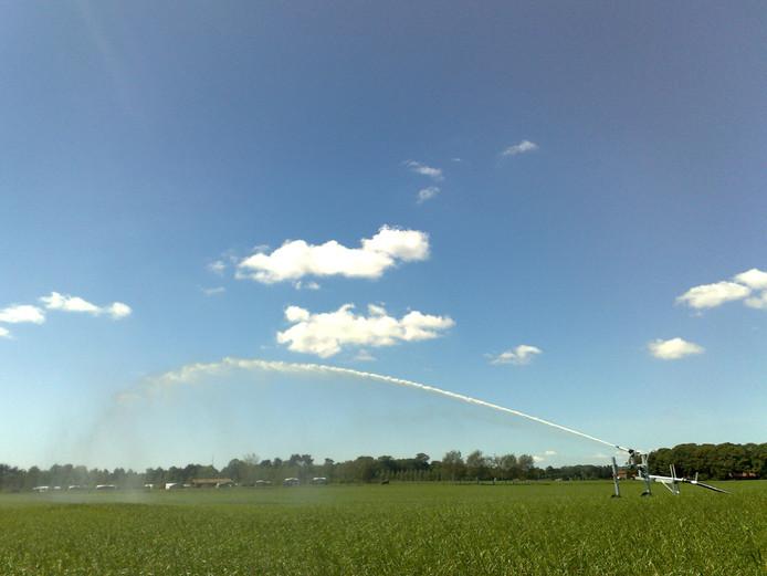 Door droogte mag er voorlopig geen water worden onttrokken aan beken en sloten in het gebied van waterschap De Dommel. foto Kees Jansen