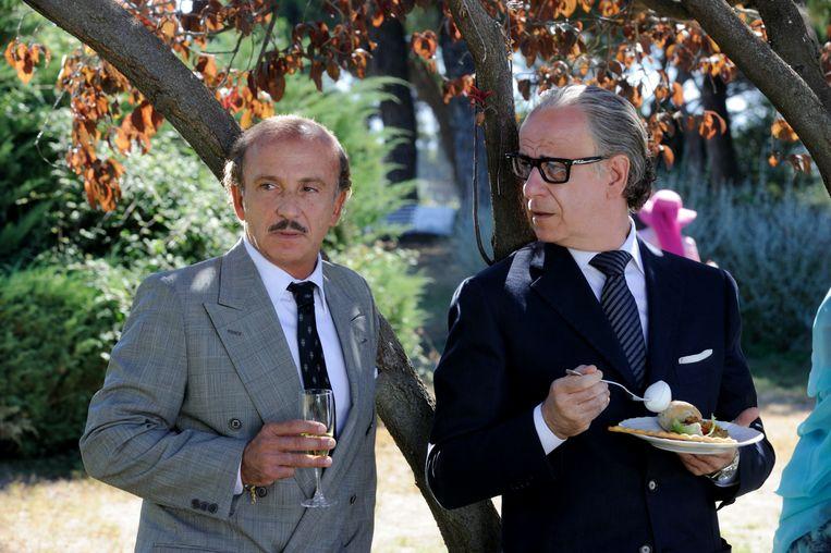 Jep Gam-bardella (Toni Servillo, rechts) en een oude vriend (Carlo Buccirosso)  in La Grande Bellezza. Beeld Gianni Fiorito