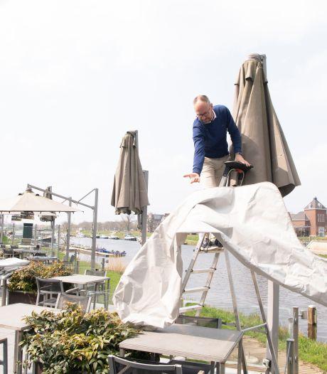 Vechtdal blij met terrasopening, maar het zijn wel 'hele kleine stapjes': 'Ook dit moet geen maanden duren'