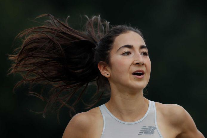 Jasmijn Lau in actie op de 1.500 meter tijdens de NK Atletiek, eerder dit jaar in Breda.