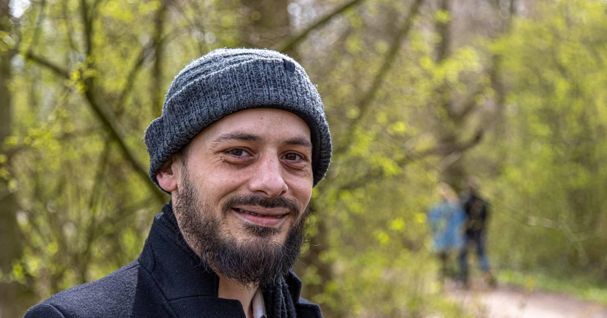 Hattemer Mehdi haalt radeloze dakloze man uit Zwolle in huis: 'We speelden op de PlayStation en aten een uitsmijter'