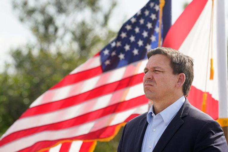 Ron DeSantis, gouverneur van Florida, weigert om strikte maatregelen te nemen in de coronastrijd. Beeld AP