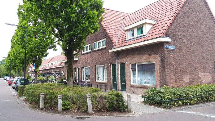 De Cronjéstraat. Het tweede huis van rechts, was het huis van het vluchtelingengezin