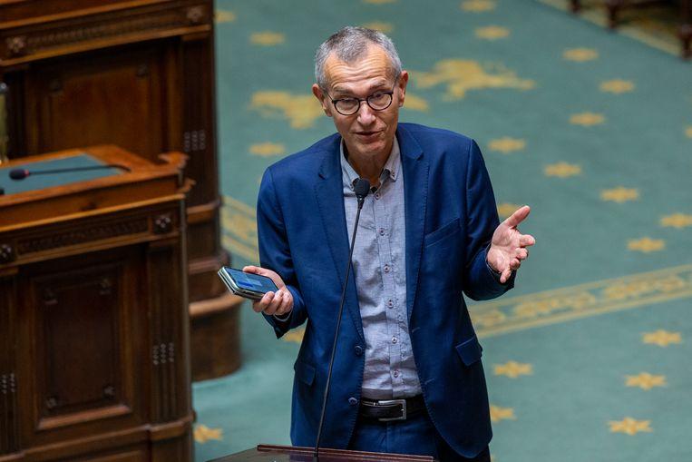 Minister van Volksgezondheid Frank Vandenbroucke (Vooruit): 'Contact met een huisarts, tandarts of het ziekenfonds lijkt misschien voor ons vanzelfsprekend, maar is het voor velen echt niet.' Beeld BELGA