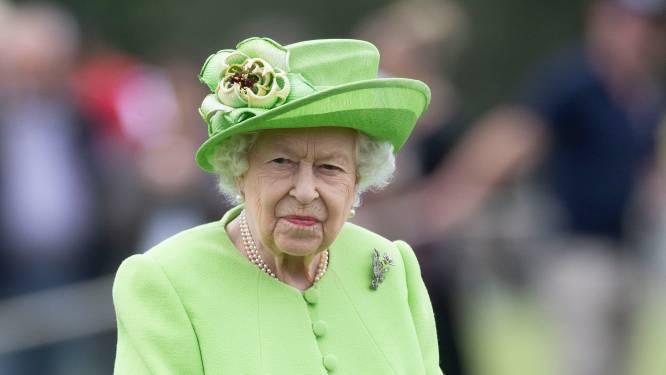 """Queen in lastig parket door doopsel Lilibet: """"Normaal gezien zou ze niet gaan, maar de druk is groot"""""""