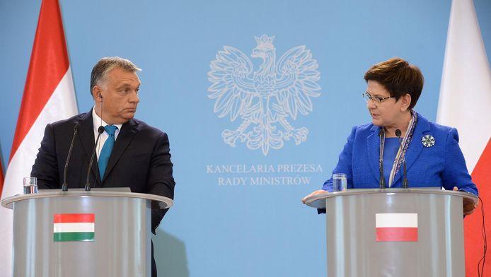 Le Premier ministre hongrois Victor Orban et la Première ministre polonaise Beata Szydlo
