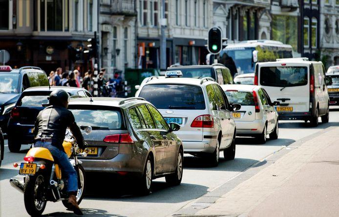 De Stadhouderskade staat op nummer 4 van de slechtste luchtkwaliteit in Amsterdam.