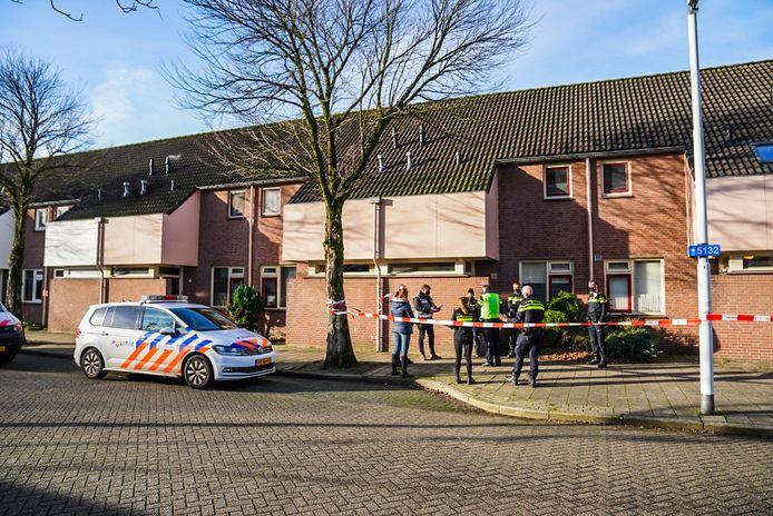 De politie heeft woensdagochtend aan de Bisschopsmolen in Eindhoven een inbreker neergeschoten.