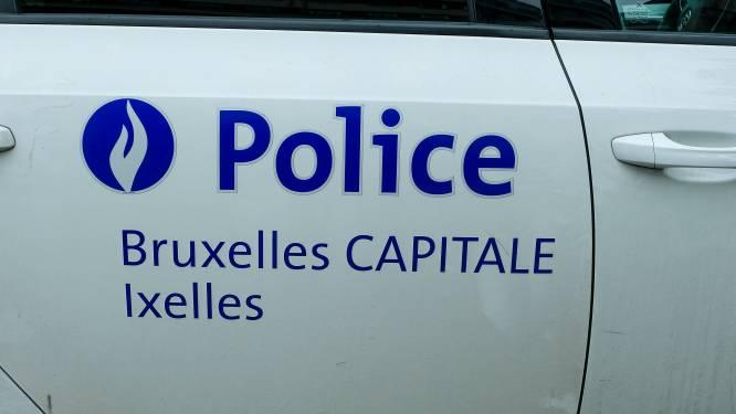Dronken bestuurder pleegt vluchtmisdrijf en stapt in andere auto: politie kan beide automobilisten oppakken