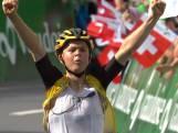 Kijk naar de heerlijke solozege van Tolhoek in Ronde van Zwitserland