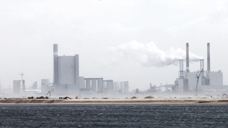 Niet alleen China bouwde recent overbodige kolencentrales. Ook op de Maasvlakte bij Rotterdam verrees een nieuwe centrale die misschien al over enkele jaren weer dicht moet. Beeld ANP