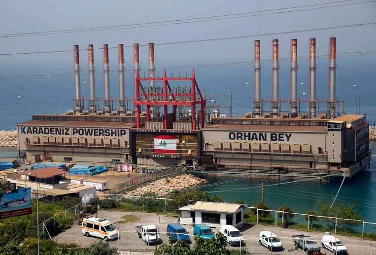 De Orhan Bey, een van de twee drijvende Turkse energiecentrales bij de Libanese hoofdstad Beiroet. Beeld AP