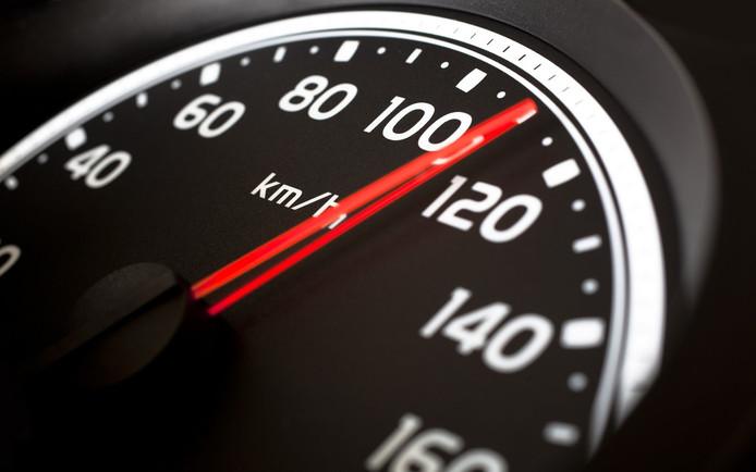 Wie snel en onzuinig riijdt moet in de toekomst mogelijk extra CO2-belasting betalen