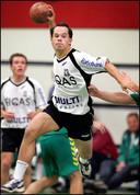 Van Asdonck was zelf een beganadigd handballer, speelde onder meer bij Aalsmeer in de eredivisie.