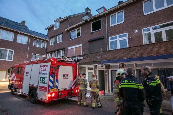 De brandweer kwam om het huis te ventileren en te controleren.