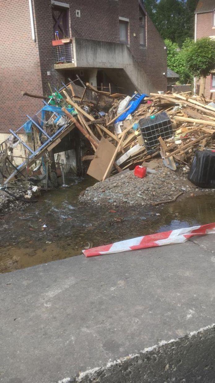 De schade in het dorpje Limbourg is enorm