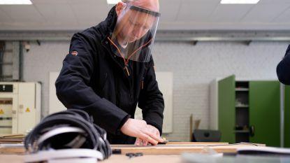 280 huisartsen krijgen faceshield dankzij Guldensporencollege Engineering in Kortrijk