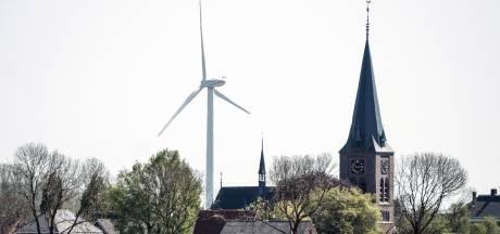 Dertig windmolens en liever zonnepanelen op daken dan in weilanden