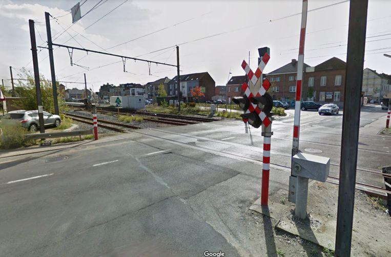 De spooroverweg langs de Assesteenweg in Ternat gaat twee dagen dicht.