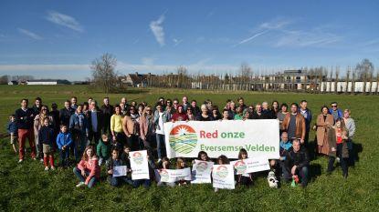 Eversemse velden (alvast tijdelijk) gered: 300 nieuwe sociale woningen gaan de koelkast in