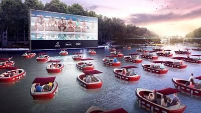 Oubliez la voiture et profitez d'un film en plein air... sur un bateau