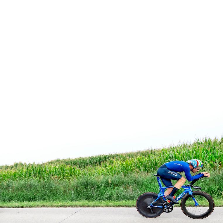 Filippo Ganna op weg naar de wereldtitel. Beeld Klaas Jan van der Weij / de Volkskrant