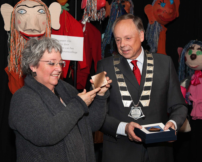 Henk Willems op een archieffoto, uit zijn tijd als burgemeester van Heusden.