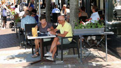 """Belgen trekken meteen naar terrasjes in Nederland: """"Of dit mag? Geen idee, maar het smaakt"""""""