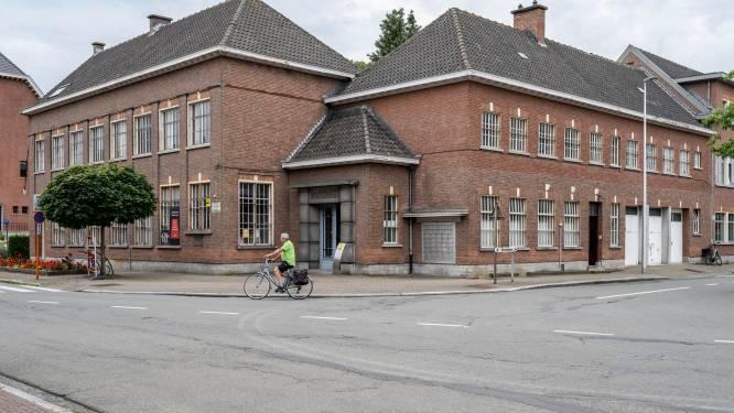 """Oud postkantoor maakt plaats voor nieuwbouwvleugel gemeentehuis: """"Gemeentelijke dienstverlening in Huis van de Zelenaar"""""""