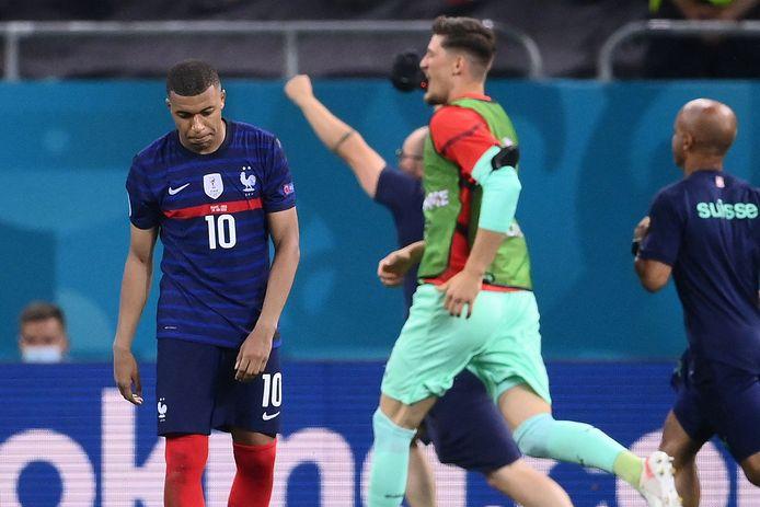 Mbappé druipt af, de Zwitsers zijn door het dolle heen.