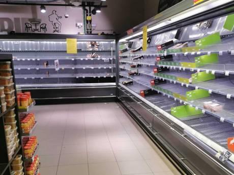 Rayons vides chez Carrefour: la situation s'aggrave