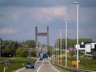 """Rotonde maakt plaats voor kruispunt met lichten: """"Willen verkeer vlotter en veiliger laten doorstromen"""""""