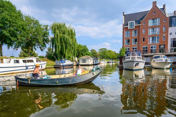 Waterrecreatie in de haven van Oudenbosch.