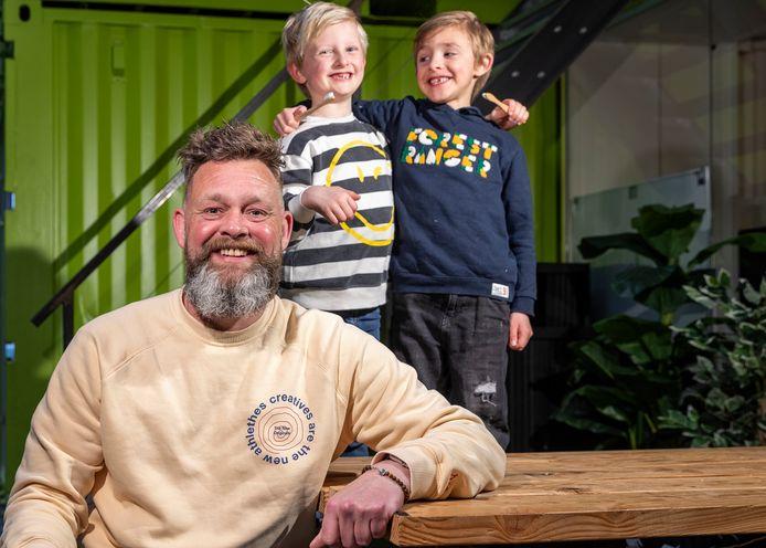 Peter Radix (44) ontwikkelde de fairytab en tandenpoetspil voor kids.