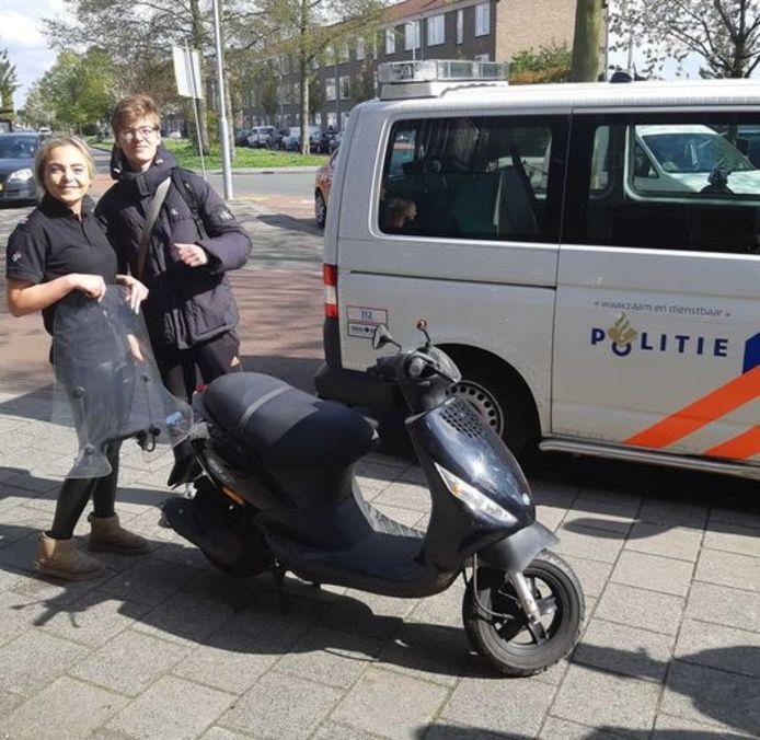De scooter is inmiddels weer terug bij de rechtmatige eigenaar.