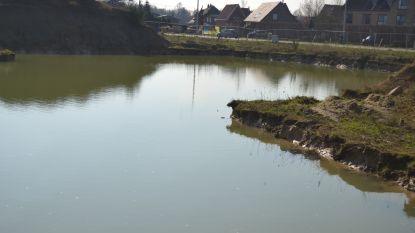 Een oplossing voor de gigantische putten aan de Veldstraat en Liersesteenweg is nog niet in zicht