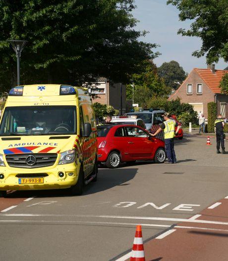 Automobilist gewond door botsing tegen lantaarnpaal in Zevenaar