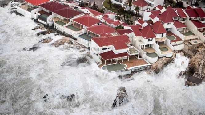 """Rutte noemt plunderingen op Sint-Maarten """"ernstig"""""""
